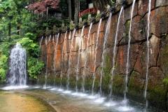 大岩山日石寺十二支滝